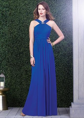 9cd4e91fb32cd1 Elegantes Abendkleid in Königsblau mit Neckholder Elegantes Abendkleid in  Königsblau. Schöne Halsträger mit silberner Verzierung